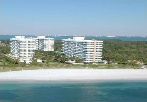 11 Condos $500K ~ $1M in Key biscayne