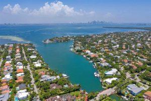 Waterfront Properties in Key Biscayne