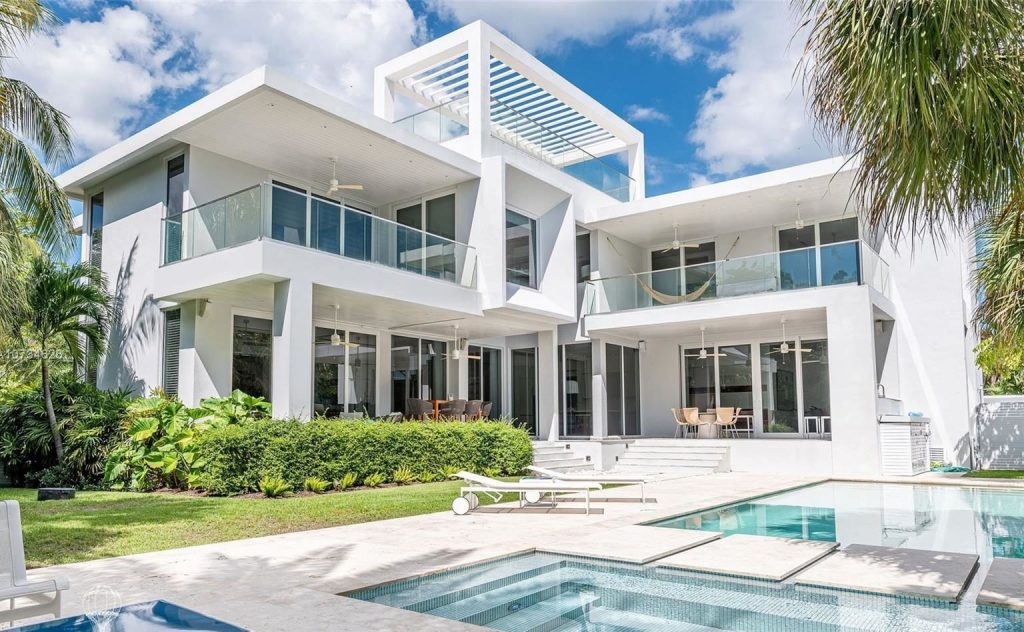 Key Biscayne Luxury Homes for Sale