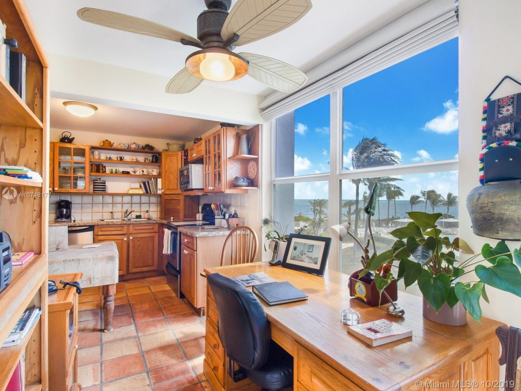 Open house Sands of Key Biscayne